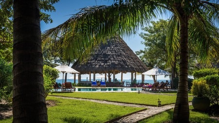 The Turtle Inn by Francis Ford Coppola exudes a quintessentially Belizean feel by blending harmoniously with its surroundings