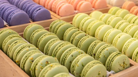 Macaronsare elegant sweets that come in a wide variety of delicate flavours