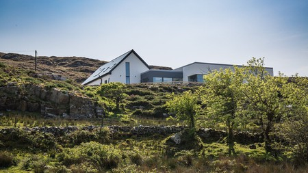 Surround yourself with the natural beauty of the Irish countryside at Baybridge House