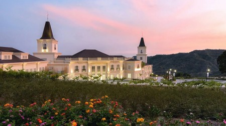 Twin Lakes Hotel is a European-inspired gem with expansive views and spacious rooms