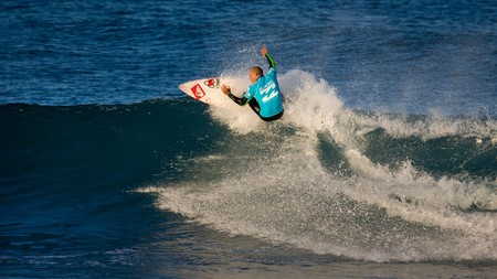 Pro surfer Kelly Slater wears Australian brand Billabong during a competition in 2008