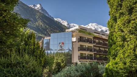 Rental apartments at Pointe Isabelle come with mountain views and modern amenities