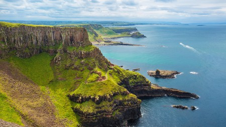 Giant's Causeway by bike makes for a spectacular road trip