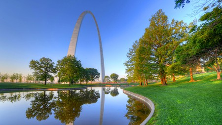 The park at the Gateway Arch is one of many pet-friendly spaces in St. Louis, Missouri