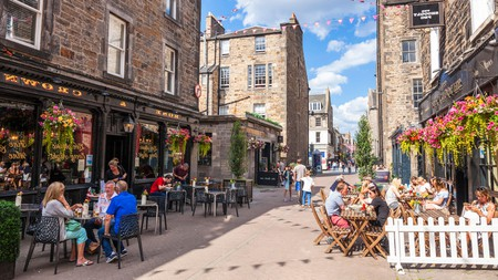 Cobbled Rose Street in Edinburgh is home to no less than 12 of the city's finest pubs, including The Kenilworth