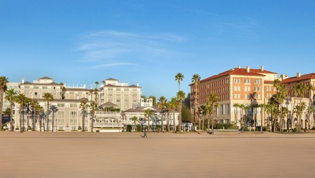 You don't need to step far from the breaking waves to enjoy top cuisine along LA's seafront