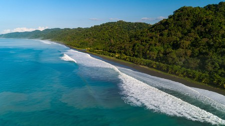 Explore the picturesque landscapes along your travels through the paradise that is Costa Rica