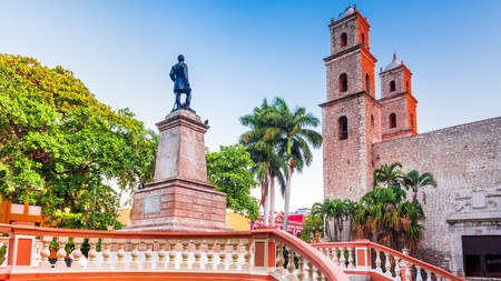 Parque Hidalgo is one of many colonial sights worth a visit in Merida