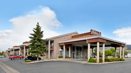 The Abbey Inn in Cedar City is handily located for the Zion and Bruce Canyon national parks