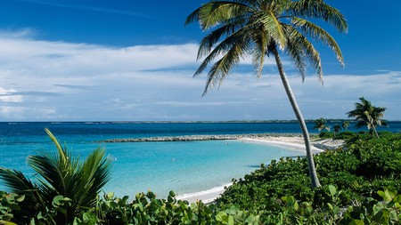 You don't have to spend a fortune to enjoy the beautiful beaches of Nassau