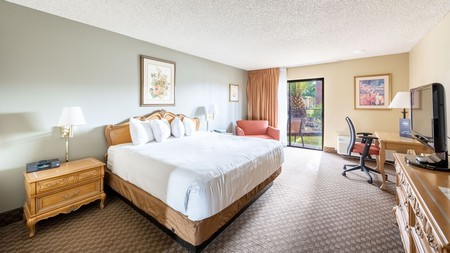 The Desert Garden Inn provides pet-friendly stays close to national parks and golf courses