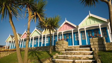 Stop by Greenhill Gardens on The Esplanade to see the beach hut-style chalets