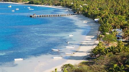 The kaleidoscopic lagoon at Mana Island, one of the stunning Mamanuca Islands in Fiji