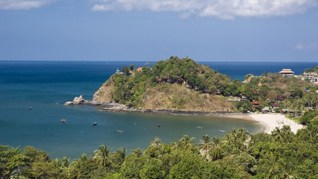 The Bay of Kantiang, with its palm-fringed beach, is a popular Koh Lanta hangout