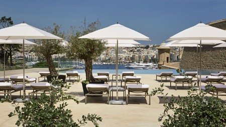 Guests can choose between sea and swimming pool at the opulent Hotel Phoenicia Malta