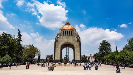 You can climb the Monumento y Museo a la Revolución for a panorama of Mexico City