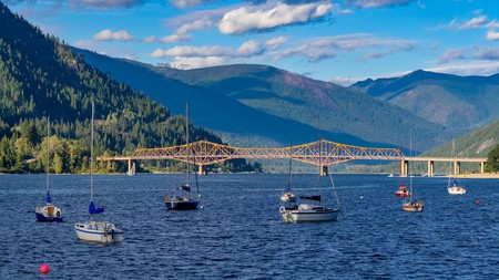 Nelson has a picturesque setting overlooking the dark-blue waters of Kootenay Lake