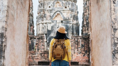 Marvel at the ancient Wat Si Sawai in Sukhothai Historical Park