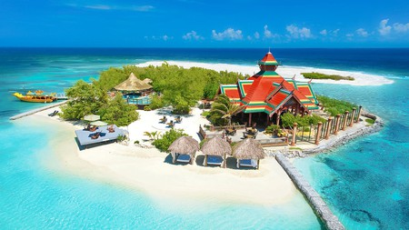 In addition to its mainland property, the Sandals Royal Caribbean also has a private off-shore island