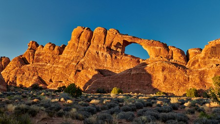 Dramatic desert landscapes and astonishing geologic creations will make for an unforgettable stay in Arches National Park