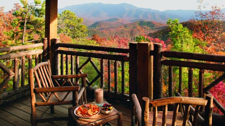 Pull up a chair at the Lodge at Buckberry Creek and marvel at the Great Smoky Mountains