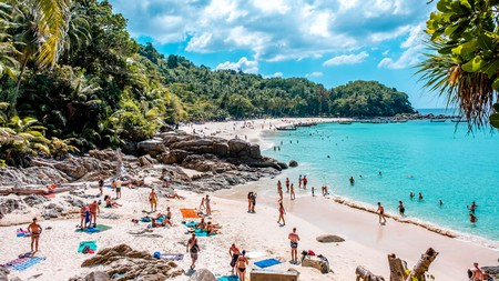 As the largest Thai island, Phuket has so many attractions with which it can wow you