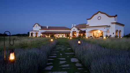 Estancia El Colibri, at the foot of the Córdoba mountains, is rustic yet luxurious