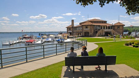 The relaxing resort town of Lake Geneva, Wisconsin, is perfect for a four-legged family getaway