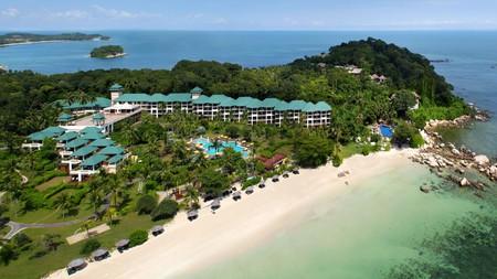 Angsana Bintan offers access to a private white sand lagoon