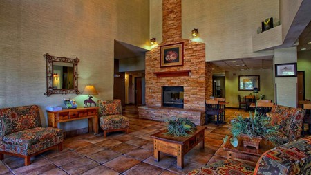 Comfort Inn Midtown is a recently renovated hotel right in the heart of the spectacular Lincoln National Forest