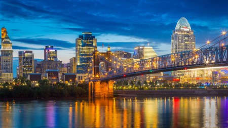 Cincinnati, Ohio provides a world of entertainment for those on a budget and its hotels are guaranteed to show you a good time; we're talking nearby golf courses, baseball games, local parks, and eateries – all for a bargain price