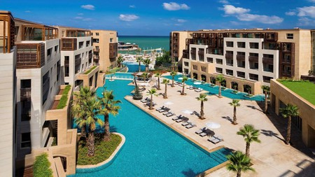 Kempinski Summerland Hotel & Resort offers everything you could want from a Beirut break