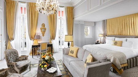 At Hôtel Plaza Athénée, the cuisine is just as luxurious as the rooms