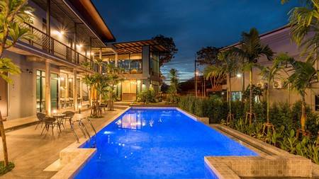 Link Hostel Aonang is a tropical-themed hostel in the vibrant tourist hub of Ao Nang