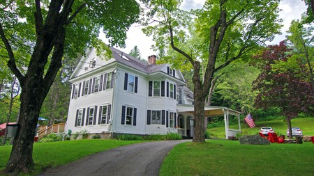 The Wilmington Inn is a quintessential historical Vermont hotel, set amid the state's mountain greenery