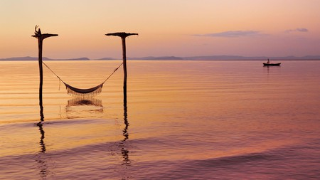 With sunsets like these, no wonder there's an endless supply of relaxing island getaways
