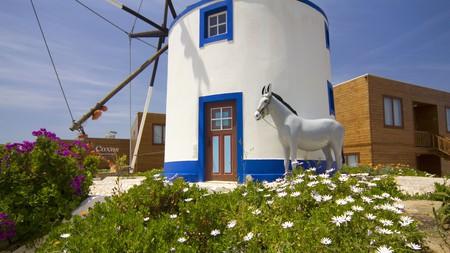 As well as having access to a communal garden, Baluarte Citadino Coxos Beach Lodge is close to several beaches