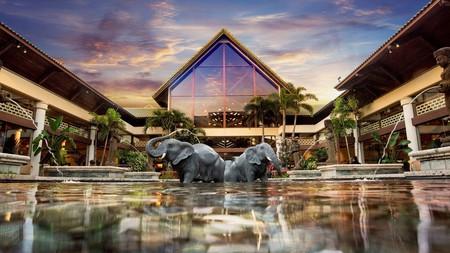 Lavish details abound at Universal's Loews Royal Pacific Resort
