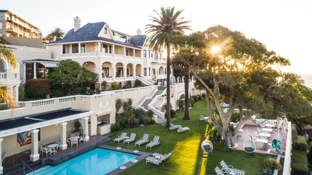 With magnificent ocean views and a location close to Cape Town's popular attractions, Ellerman House is a popular choice for tourists