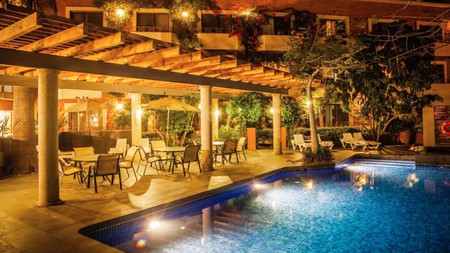 With a hot tub, sauna and outdoor pool, Gamma by Fiesta Inn proves you can chill out without breaking the bank