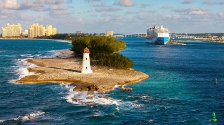 Explore the beauty of Nassau, Bahamas