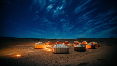Bed down under the starry desert sky with a glamping holiday in the UAE
