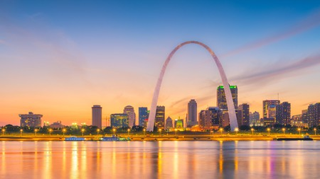 Meet me in St Louis – at any one of these fantastic hotels – for bourbon cocktails, views of the Mississippi River, and easy access to everything the Gateway to the West has to offer