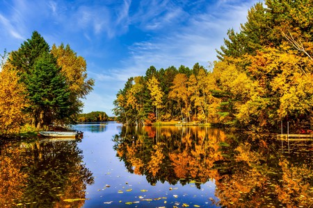The fall foliage in Wisconsin is breathtaking