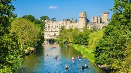 Canoe along the River Avon with the stunning Warwick Castle as your backdrop before settling down for some afternoon tea in the Coventry Tea House