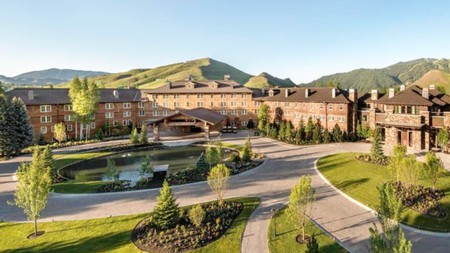 The Sun Valley Lodge offers comfortable rooms and a host of amenities