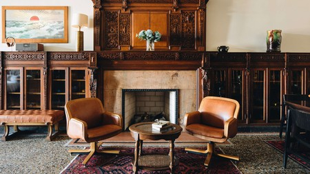 Chicago Athletic Association has the feel of a gentlemen's club, with leather armchairs and sporting trophies galore