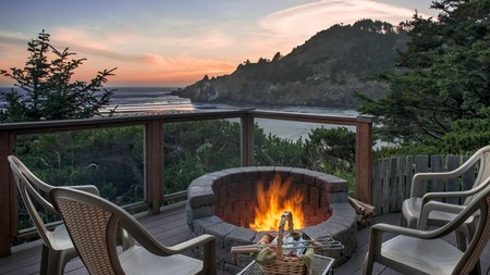 Ocean House sits on a bay next to its own private beach and close to the Yaquina Head Outstanding Natural Area