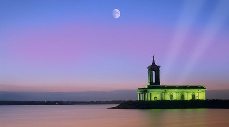 Enjoy the peace and quiet of the countryside by staying close to Rutland Water