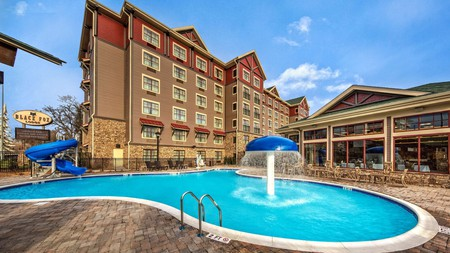 Stay close to the action at one of these hotels near Dollywood